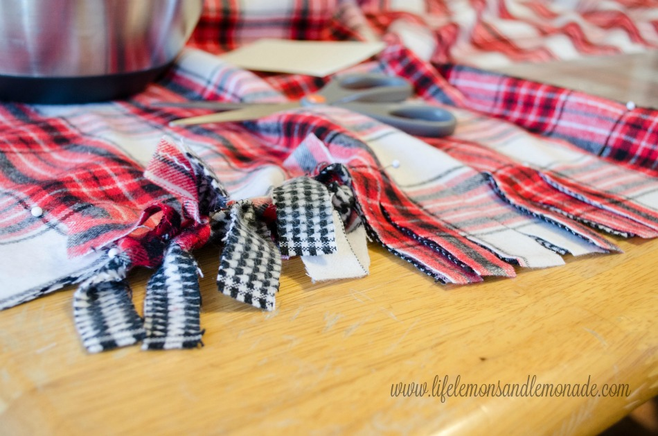 TIed Flannel Throw